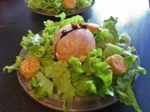 oeuf surprise chèvre et tomates confites