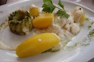 Amaranthe - Effeuillé de cabillaud en vapeur, velouté de lotte au poivre vert, flan de haricots verts, pomme charlotte